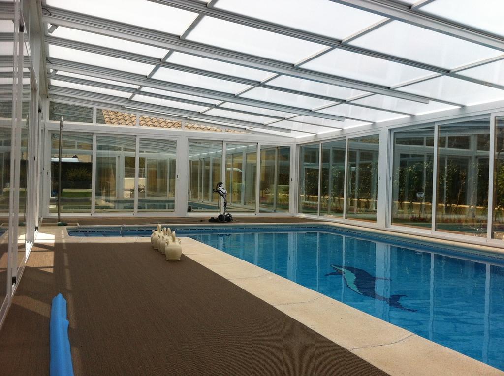Techos moviles de cristal cerramientos de terrazas y - Cerramientos para piscinas ...